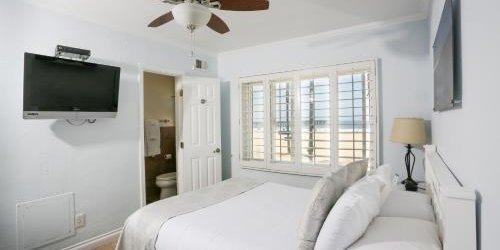 Забронировать Venice on the Beach Hotel