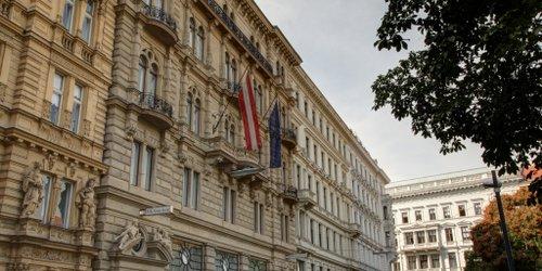 Забронировать K+K Palais Hotel