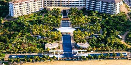 Забронировать La Tranquila Breath Taking Resort Spa