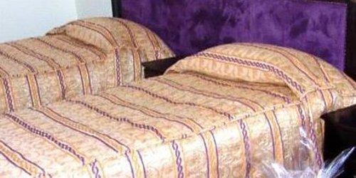 Забронировать Hotel Al Khaima