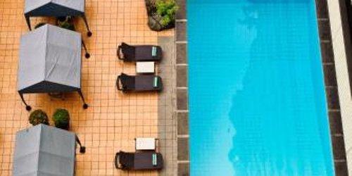 Забронировать Copacabana Apartment Hotel