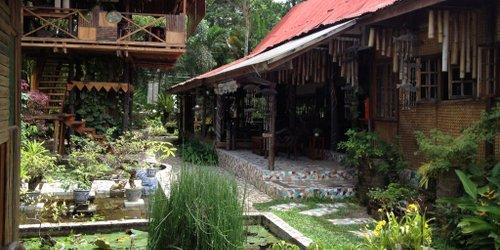 Забронировать The Lotus Garden Hotel