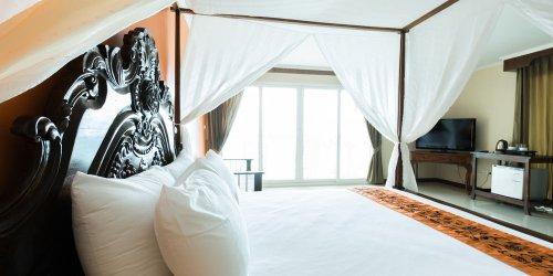 Забронировать Royal Phala Cliff Beach Resort & Spa