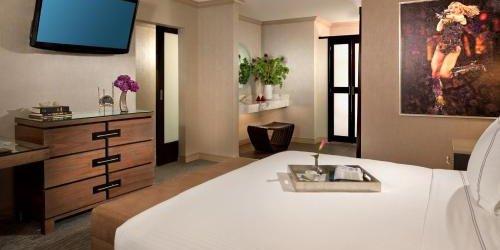 Забронировать Luxe City Center Hotel