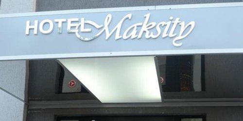 Забронировать Hotel Maksity