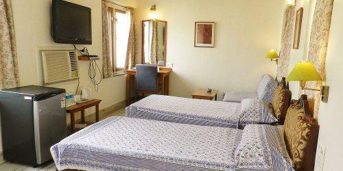 Забронировать Hotel Arya Niwas