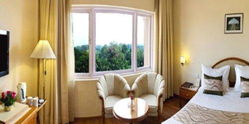 Забронировать Hotel Clarks Shiraz