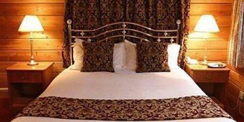 Забронировать Chevin Country Park Hotel & Spa