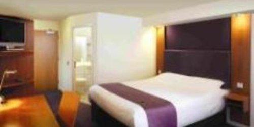 Забронировать Premier Inn Leeds City West
