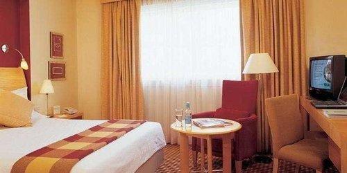 Забронировать Holiday Inn London - Heathrow Ariel