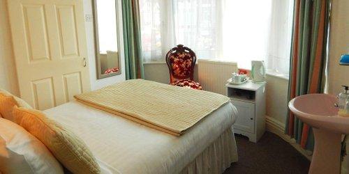 Забронировать The Inglewood Hotel