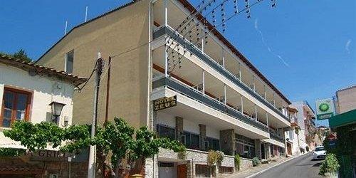 Забронировать Zeus Hotel