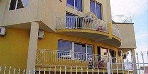 Забронировать Villa Iva Guest House