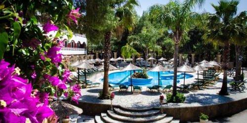 Забронировать Hotel Vasilikos Beach