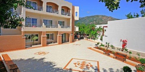 Забронировать Eurohotel Katrin Hotel & Bungalows