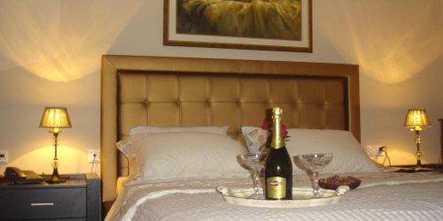 Забронировать Epavlis Meteora Suites Hotel
