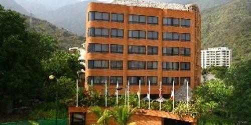 Забронировать Costa Real Suites