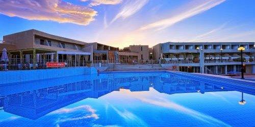 Забронировать Santa Marina Resort