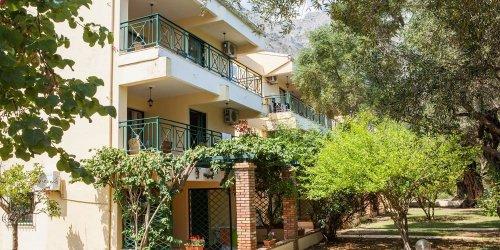 Забронировать Barbati Beach Holiday Apartment