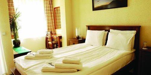 Забронировать Hotel Avalon
