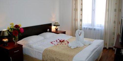 Забронировать Elegant Lux Hotel