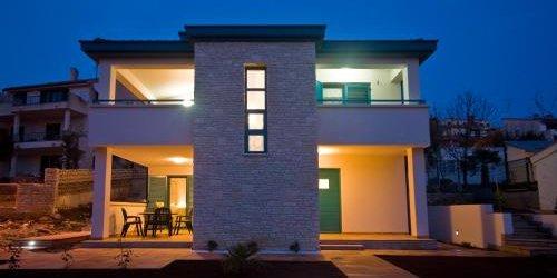 Забронировать Rooms and Apartments Villa Dama