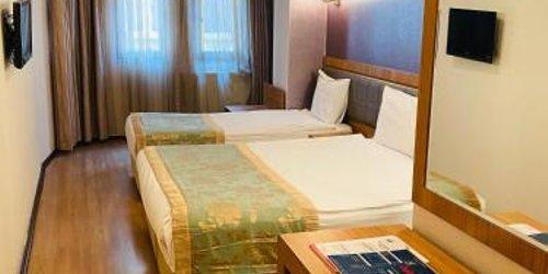 Забронировать Grand Anzac Hotel