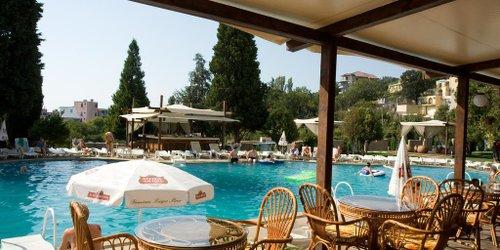 Забронировать Detelina Hotel