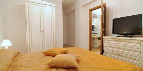 Забронировать Grand Monastery Apart Complex