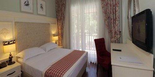 Забронировать Padok Premium Hotel & Stables