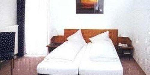 Забронировать HOTEL MAXI
