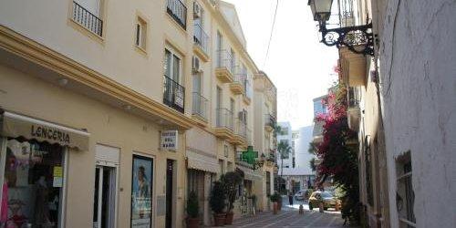 Забронировать Apartamentos Velasco