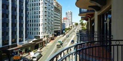 Забронировать Quest Atrium Serviced Apartments
