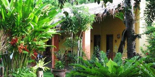 Забронировать Hibiscus Garden Inn