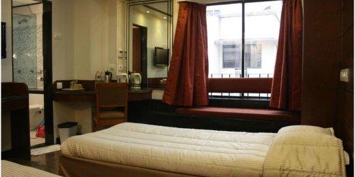 Забронировать Hotel Karl Residency