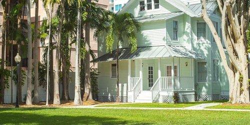 Забронировать Historic Miami River Hotel