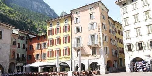 Забронировать Hotel Portici - Romantik & Wellness