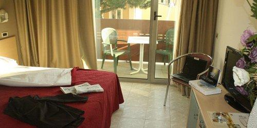Забронировать Hotel Elvezia