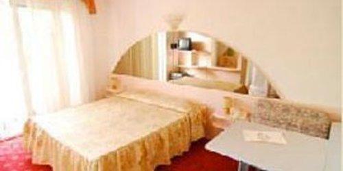 Забронировать Hotel Villa Luisa