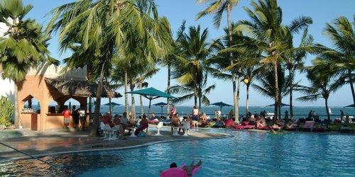 Забронировать Bamburi Beach Hotel