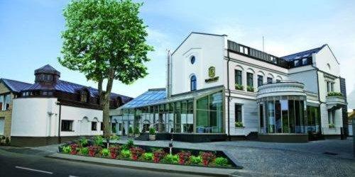 Забронировать Embassy Hotel Balatonas
