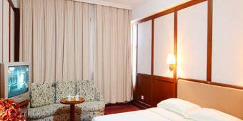Забронировать Qinhuangdao Jinlongyuan Hotel