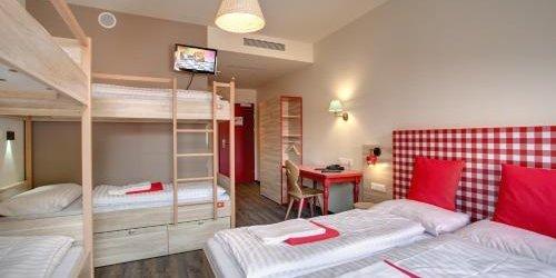 Забронировать MEININGER Hotel Salzburg City Center
