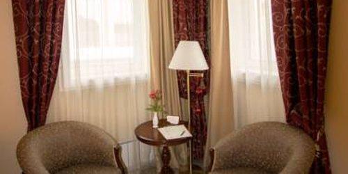 Забронировать Chekhov Hotel