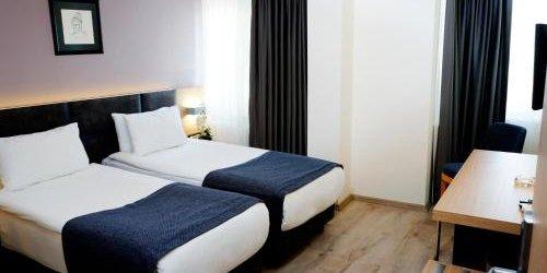 Забронировать Helen Hotel