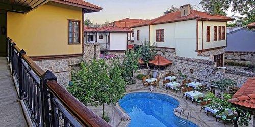 Забронировать La Paloma Hotel