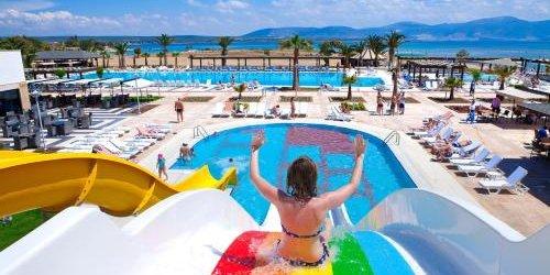 Забронировать Venosa Beach Resort & Spa - All Inclusive