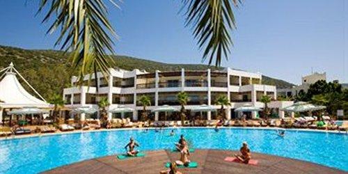 Забронировать Latanya Beach Resort Hotel