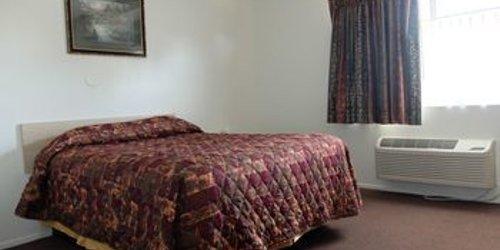 Забронировать Jolly Roger Hotel