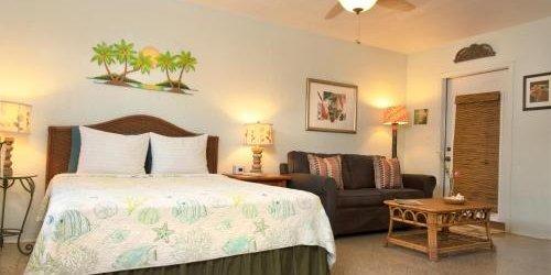 Забронировать The Desoto - Oceanview Inn